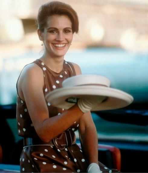 Bạn là mẫu phụ nữ nào khi mặc trang phục họa tiết chấm bi?
