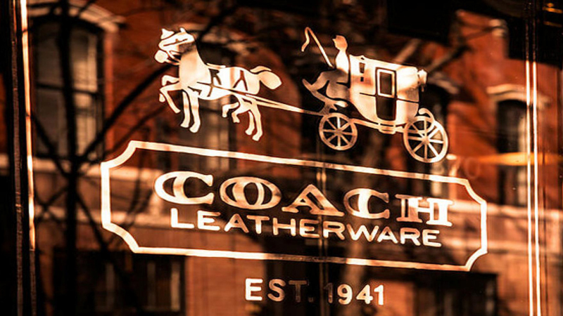 Vì sao thương hiệu Coach đổi tên thành Tapestry?
