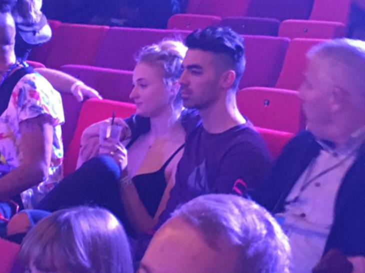 Joe Jonas và ngôi sao phim Game of Throne, Sophie Turner đính hôn - ELLE Việt Nam