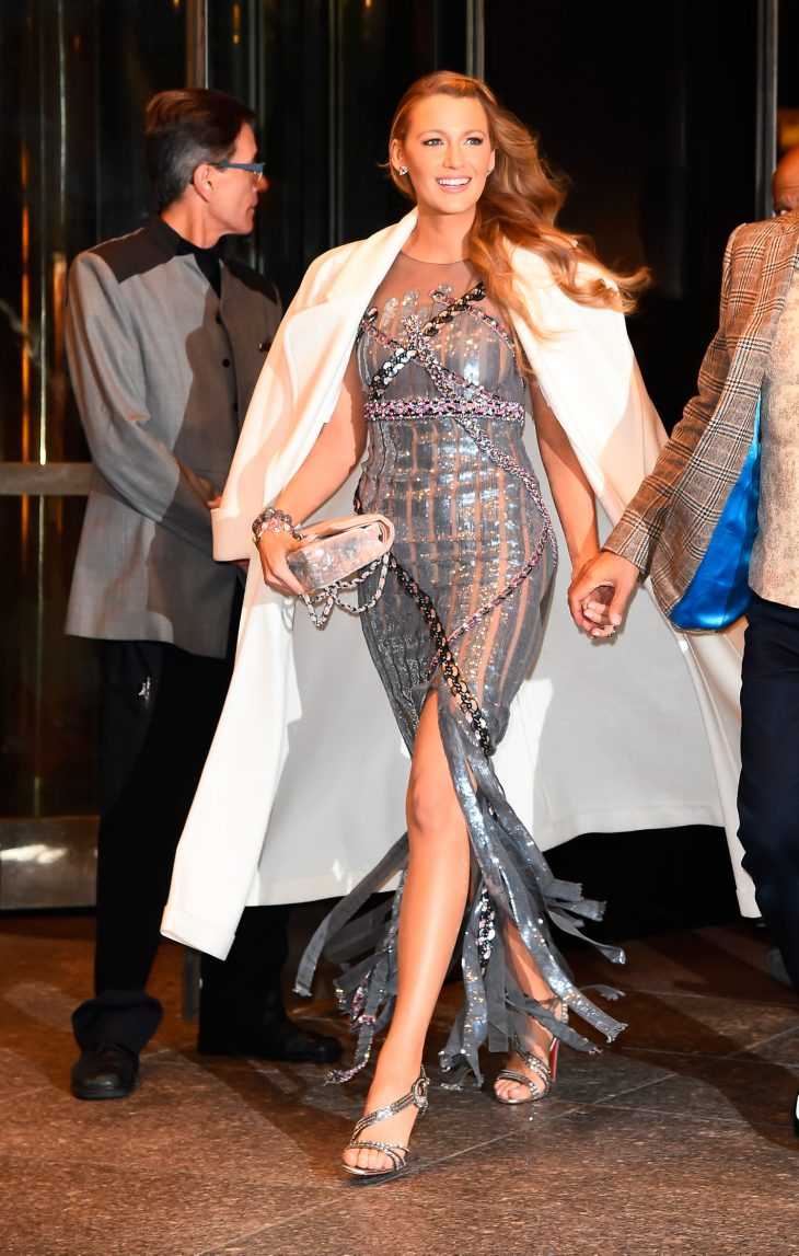 Blake Lively gây choáng ngợp với 7 bộ trang phục trong ngày quảng bá phim All I See Is You - ELLE Việt Nam