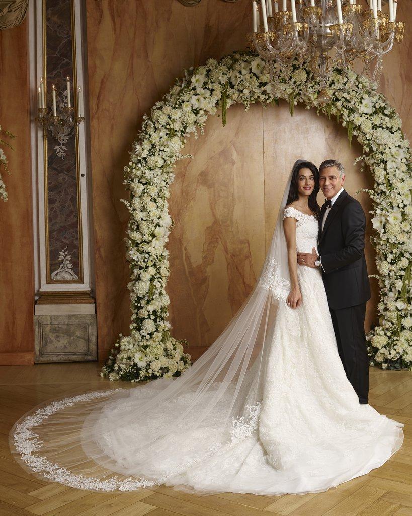Váy cưới cộng lẫy của vợ ngôi sao George Clooney