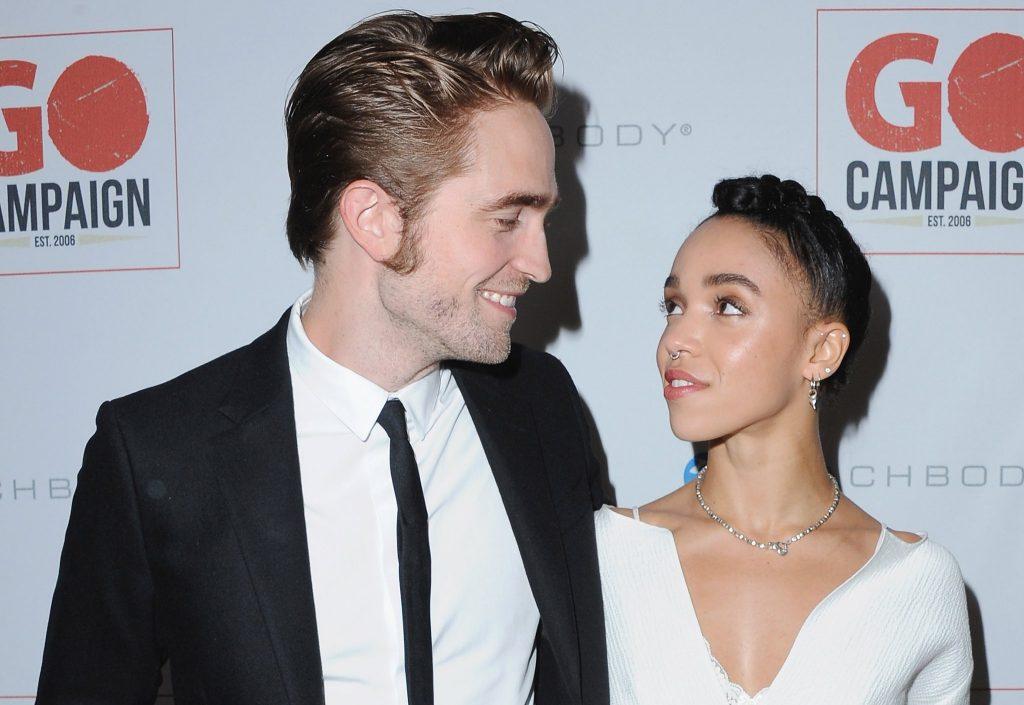 bạn gái Robert Pattinson
