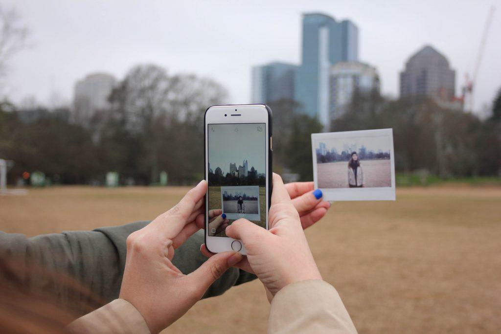 mạng xã hội trong tình yêu