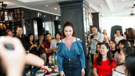 Hoa hậu áo dài Hoàng Dung chia sẻ bí quyết