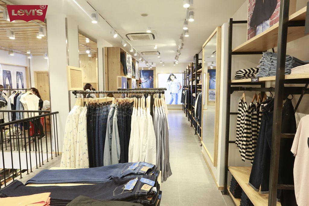 không gian cửa hàng Levi's