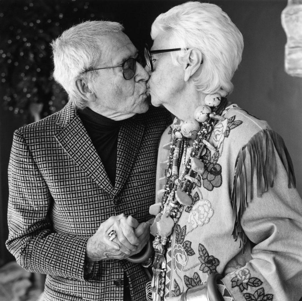 Cảm hứng từ câu chuyện cuộc đời và mối tình 70 năm của Iris Apfel