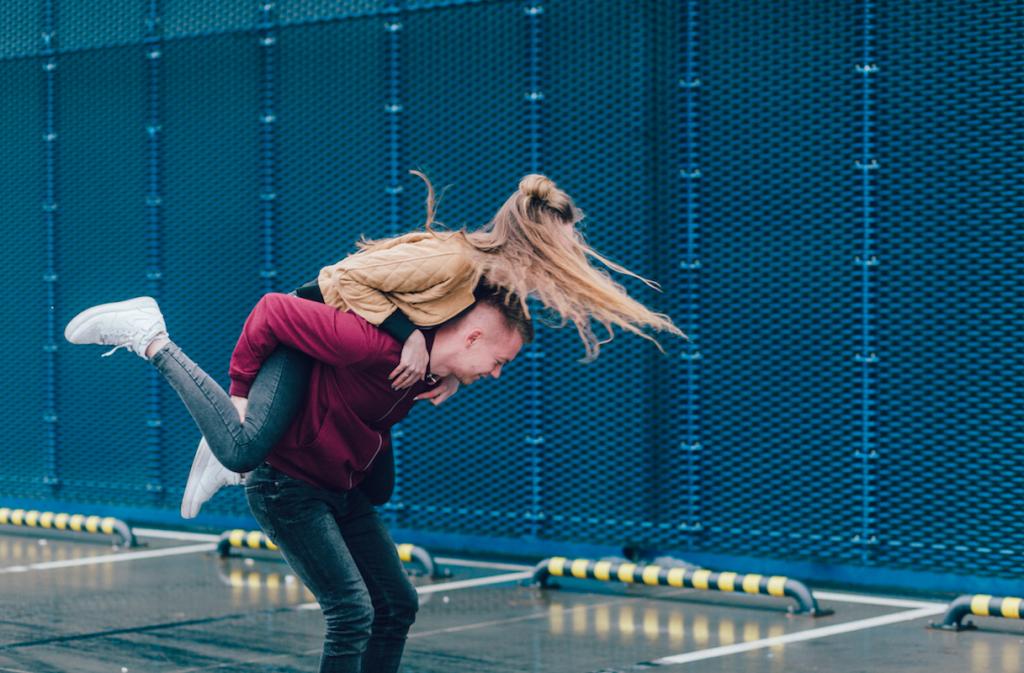 15 việc làm giúp duy trì mối quan hệ yêu xa