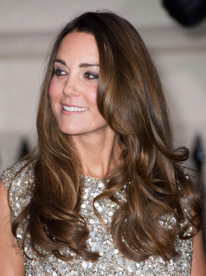 Công nương Kate đã cắt ngắn mái tóc dài quý phái khi mang thai lần thứ ba?