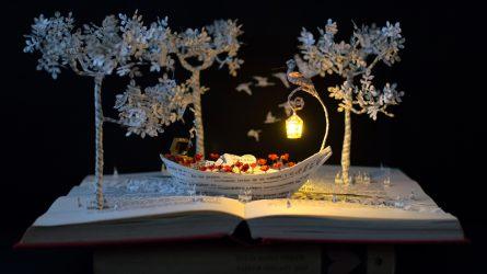 Đắm chìm trong thế giới tí hon tuyệt đẹp làm từ sách cũ