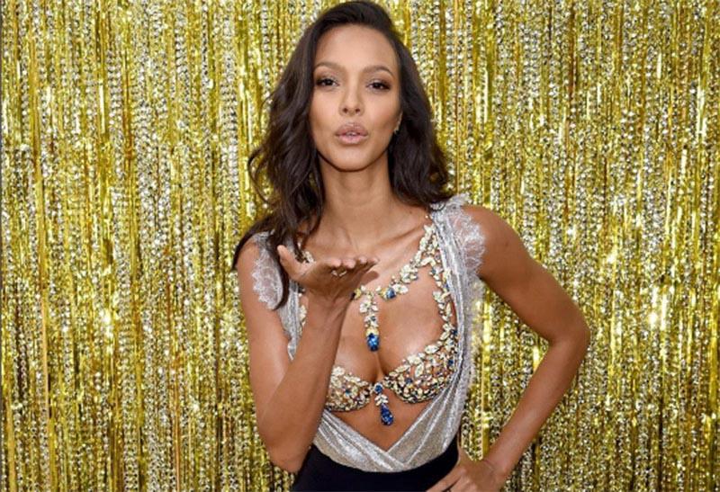 Một triệu viên pha lê Swarovski dành cho show diễn Victoria's Secret 2017