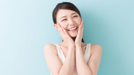 6 Động tác massage cơ mặt giúp giảm stress trong vòng 1 phút