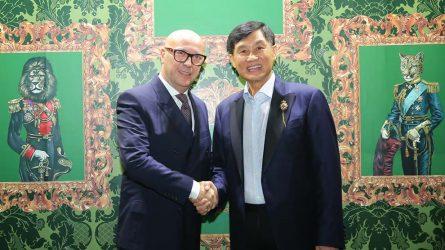 Ông Johnathan Hạnh Nguyễn đã chính thức mang Dolce & Gabbana về Việt Nam