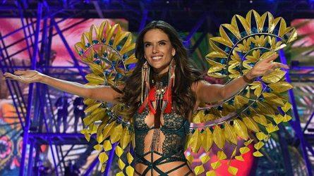 Sân khấu của Victoria's Secret Fashion Show 2017 có thể là lần sải bước cuối cùng của Alessandra Ambrosio