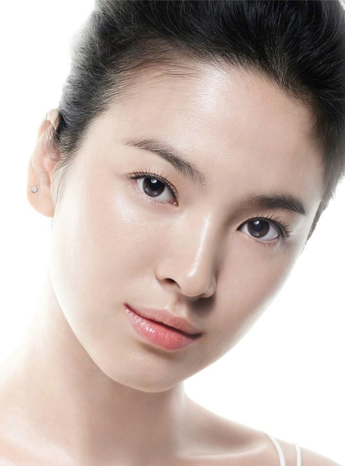 Bí quyết giữ mãi tuổi thanh xuân của Song Hye Kyo