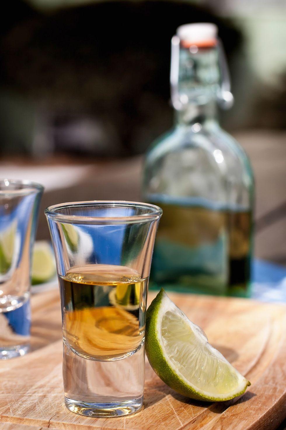 Điểm danh 7 loại thức uống chứa cồn khiến da bạn ngày càng xấu tệ - ELLE Việt Nam