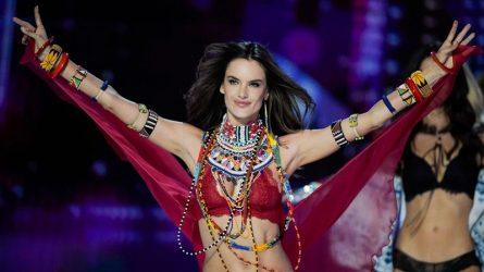 Alessandra Ambrosio chính thức trở thành cựu thiên thần Victoria's Secret sau 17 năm gắn bó