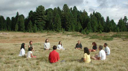 Thiền định - cách giảm stress cho 12 cung hoàng đạo