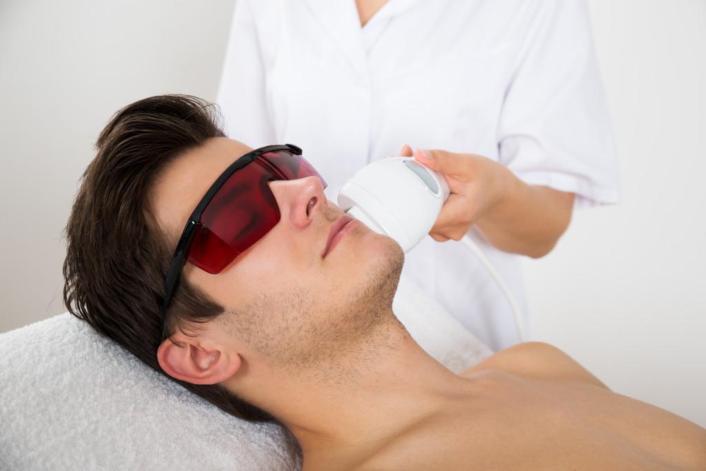 Làn da sáng mịn nhờ phương pháp triệt lông bằng Laser