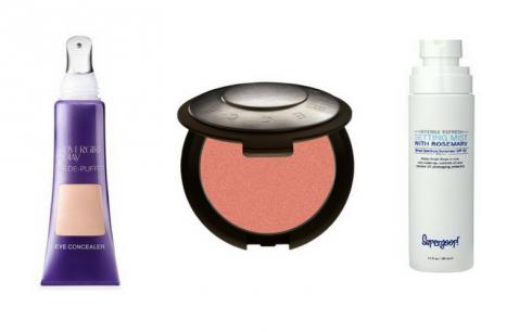 ELLE Beauty Calendar: Cách trang điểm cho da bị mụn (11/12 - 17/12)