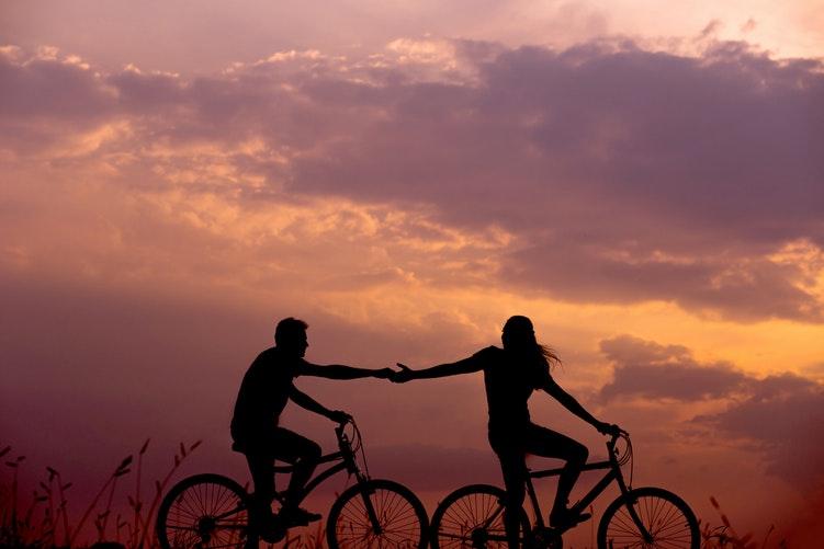 32 dấu hiệu rõ ràng nhất cho thấy người đàn ông của bạn yêu bạn vì tình dục