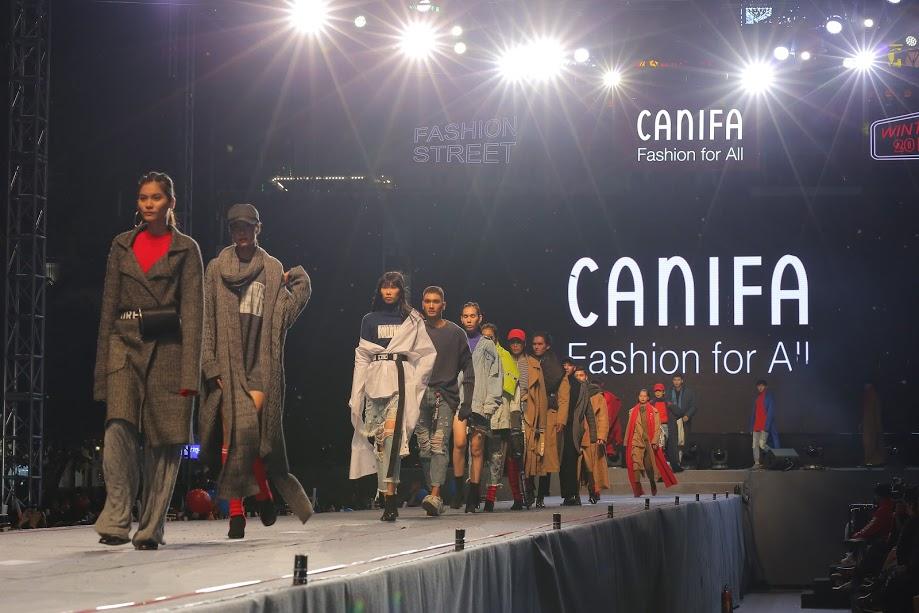show diễn lễ hội thời trang đường phố