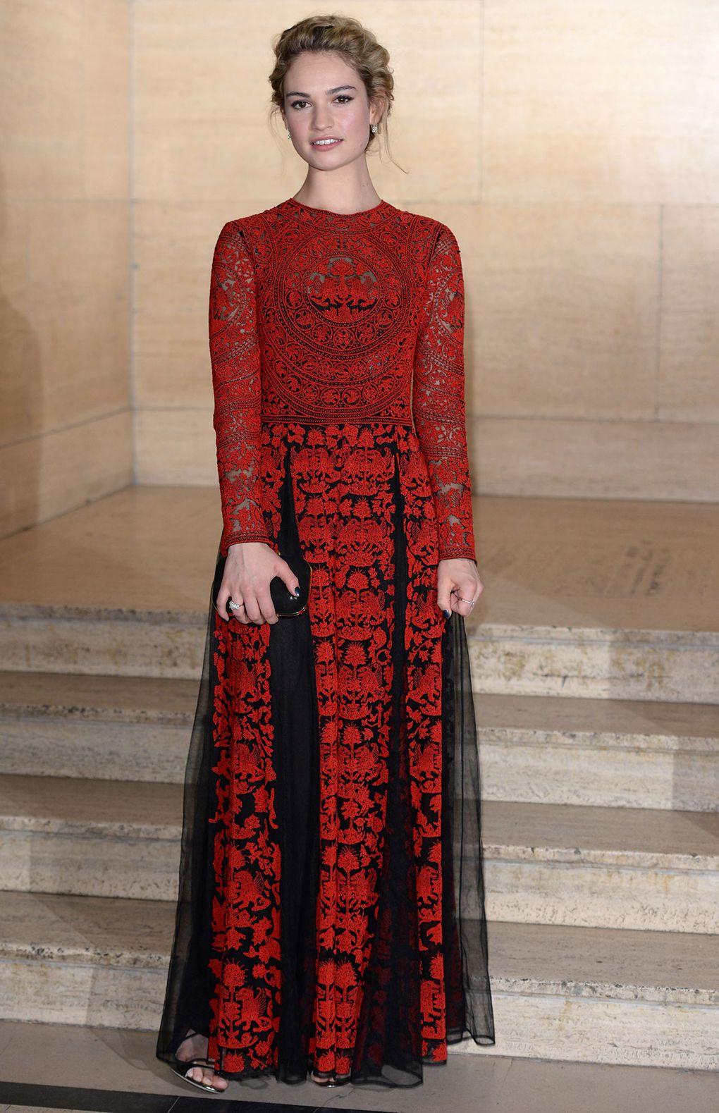 Hành trình thay đổi phong cách thời trang qua từng năm của Lily James7