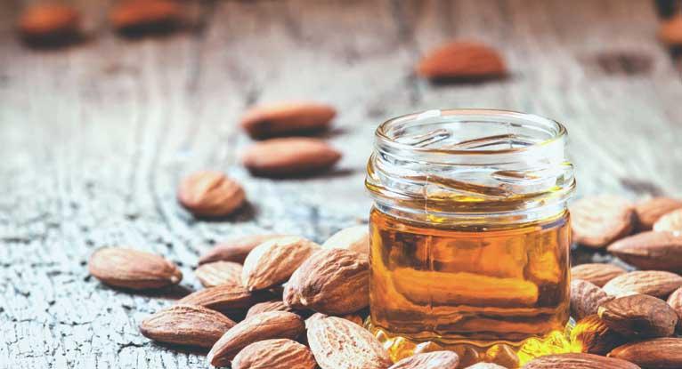 8 tác dụng thần kì của dầu hạnh nhân đối với làn da của bạn