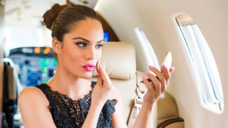 Top 5 sản phẩm làm đẹp sinh ra là để mang theo khi đi du lịch