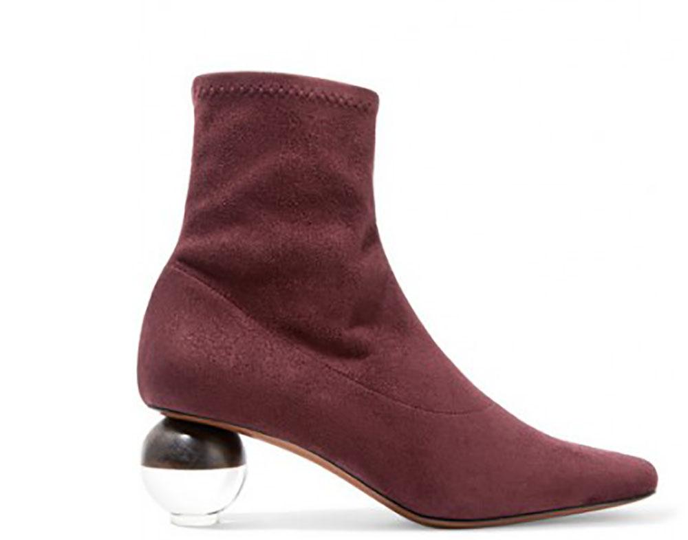 Năm 2018 đánh dấu sự trở lại của những đôi boots cổ thấp thời thượng