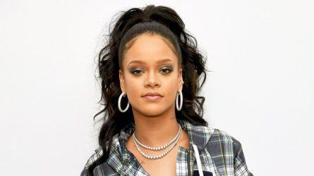 Trải qua Giáng sinh không lâu, Rihanna phải đón nhận tin buồn từ gia đình