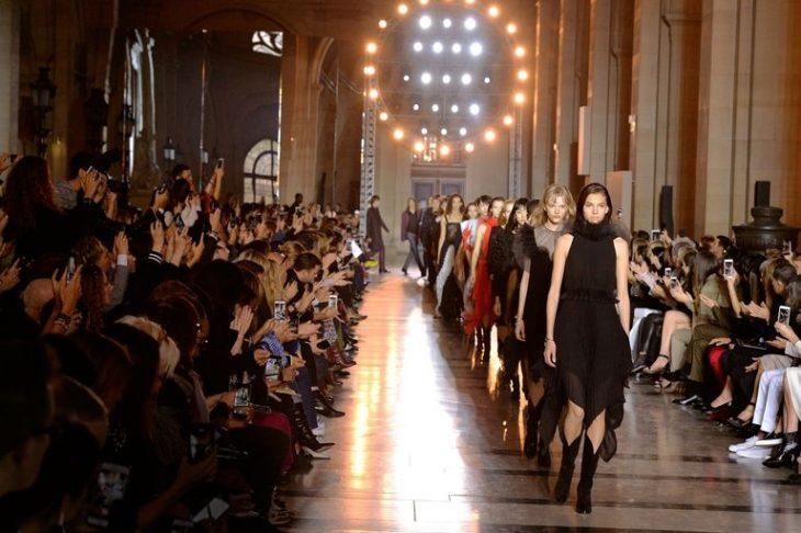 Vì sao sàn diễn thời trang sẽ luôn mãi quan trọng?