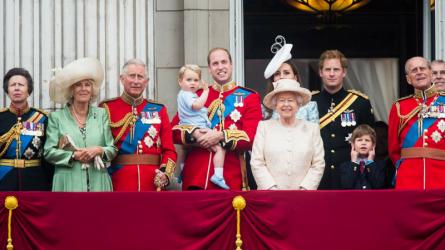 12 nguyên tắc dành riêng cho thành viên của gia đình Hoàng gia