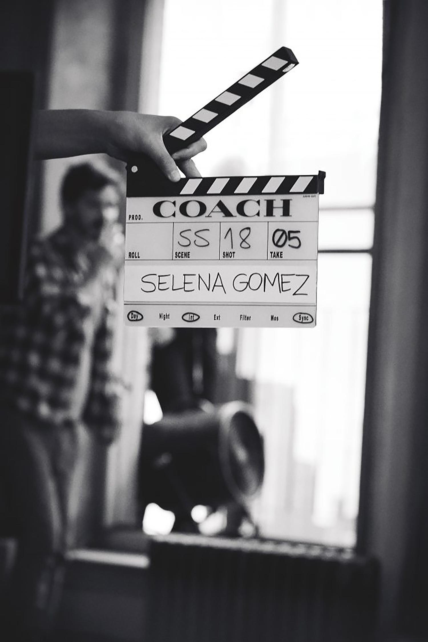 Selena Gomez hợp tác với Coach tung ra BST túi xách thời trang trong chiến dịch Mùa xuân 2018
