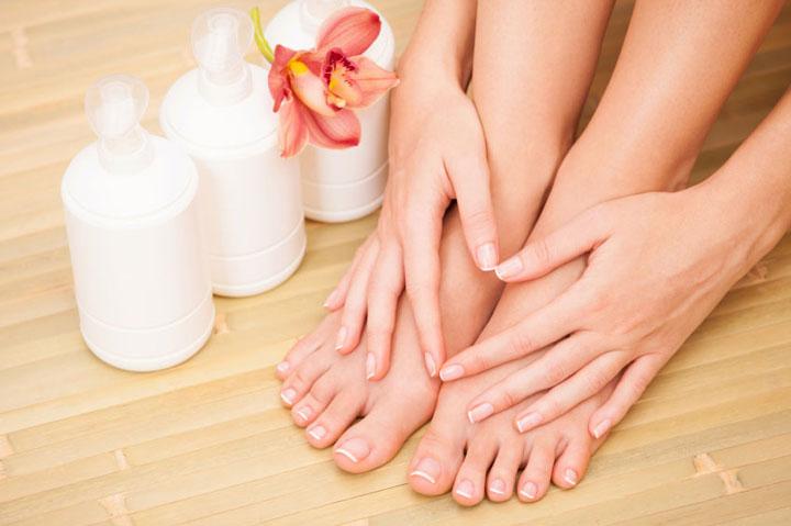 cách chữa da khô bàn chân nứt nẻ