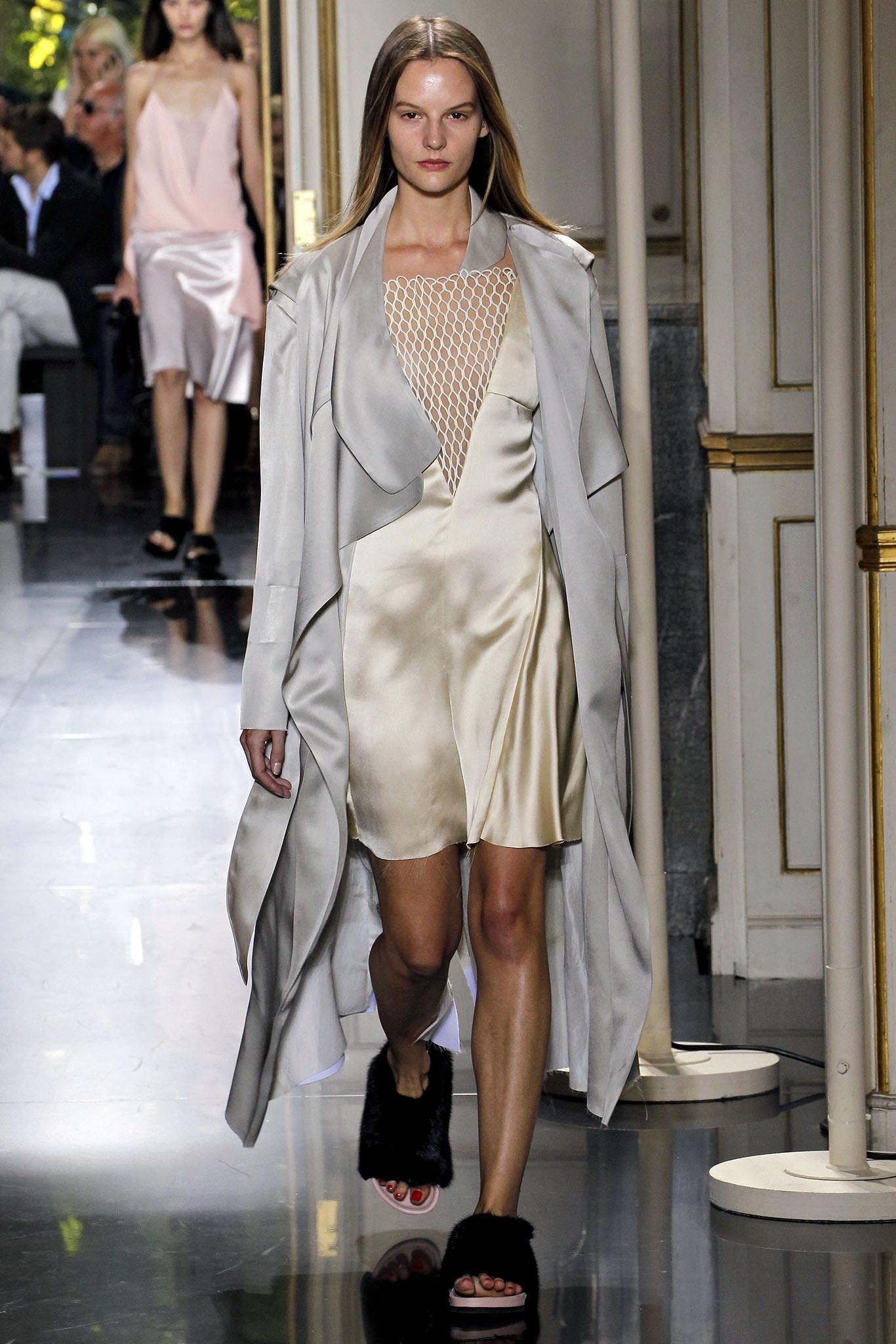 Phoebe Philo cùng Celine đã làm thay đổi thời trang như thế nào