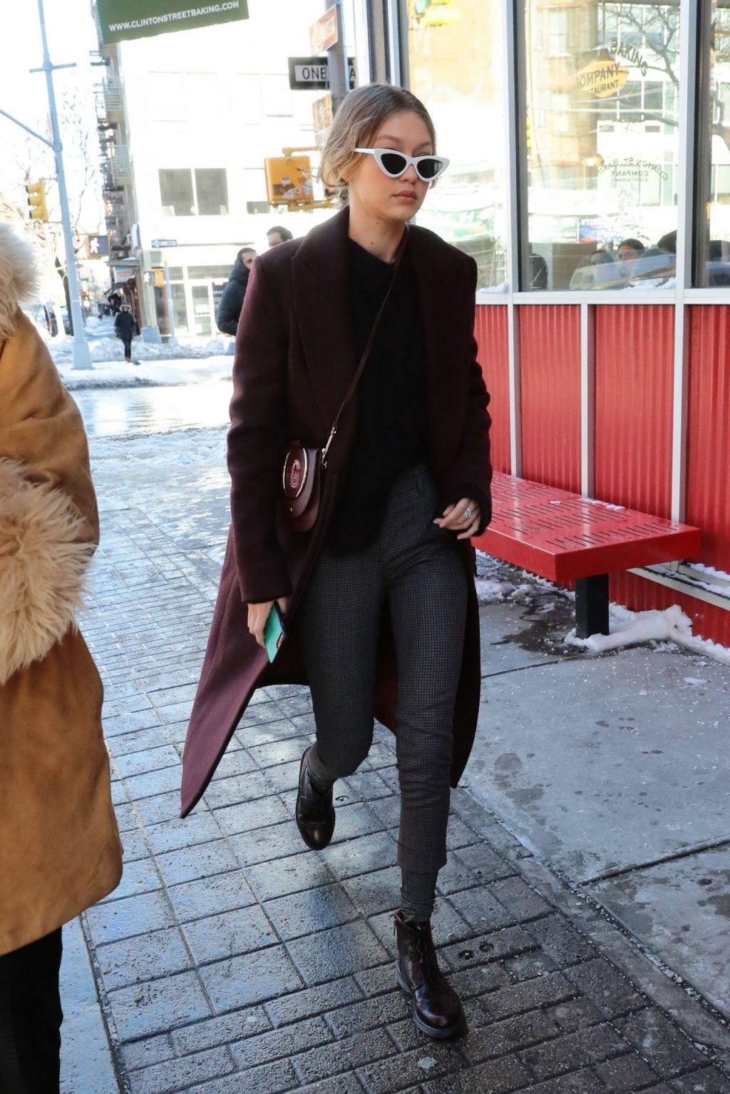 Giá lạnh New York không thể cản bước Gigi Hadid và các chân dài mặc đẹpGiá lạnh New York không thể cản bước Gigi Hadid và các chân dài mặc đẹp