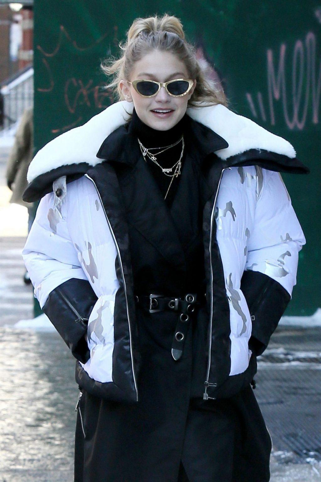 Giá lạnh New York không thể cản bước Gigi Hadid và các chân dài mặc đẹp