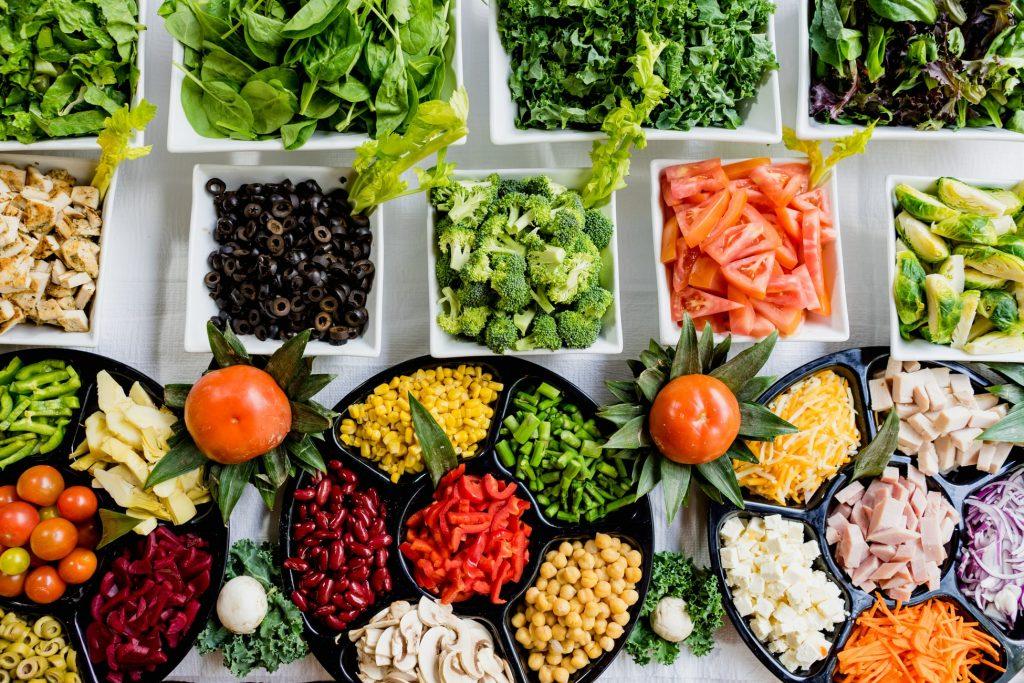 đĩa nhỏ giúp ăn ít hơn