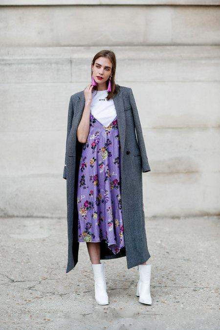 Làm sao để phối trang phục có màu tím cho đúng xu hướng thời trang 2018?