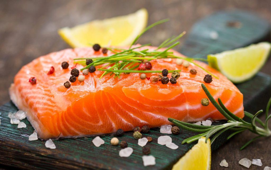 cá hồi thực đơn low carb
