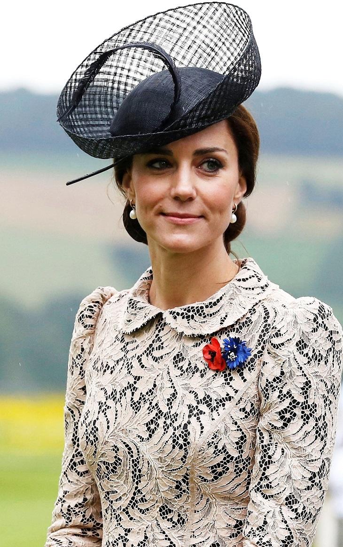 Giải mã lý do tại sao những người phụ nữ của gia đình hoàng gia Anh luôn đội mũ