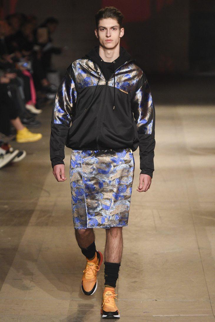 Váy đang trở thành xu hướng càn quét các sàn diễn thời trang nam 2018