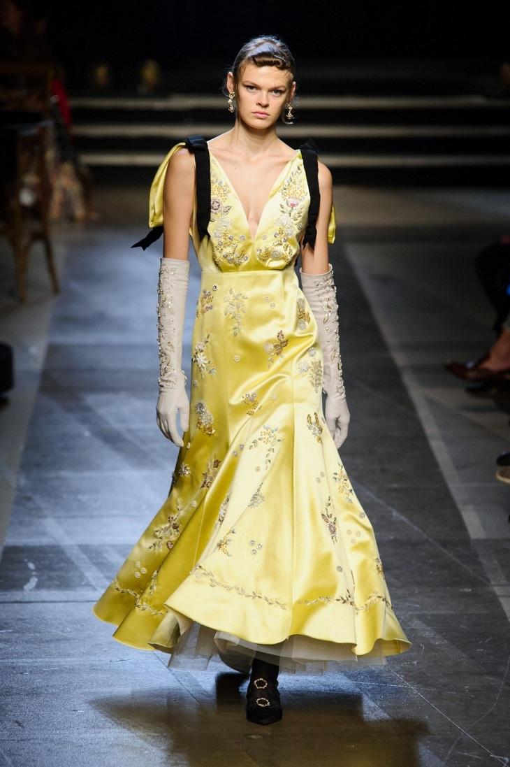 ELLE Việt Nam - Màu vàng Gen-Z sẽ thay thế màu hồng Millenial thống trị thời trang 2018 (12)