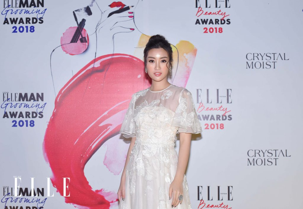ELLE Beauty Awards 2018 trang điểm ấn tượng 10