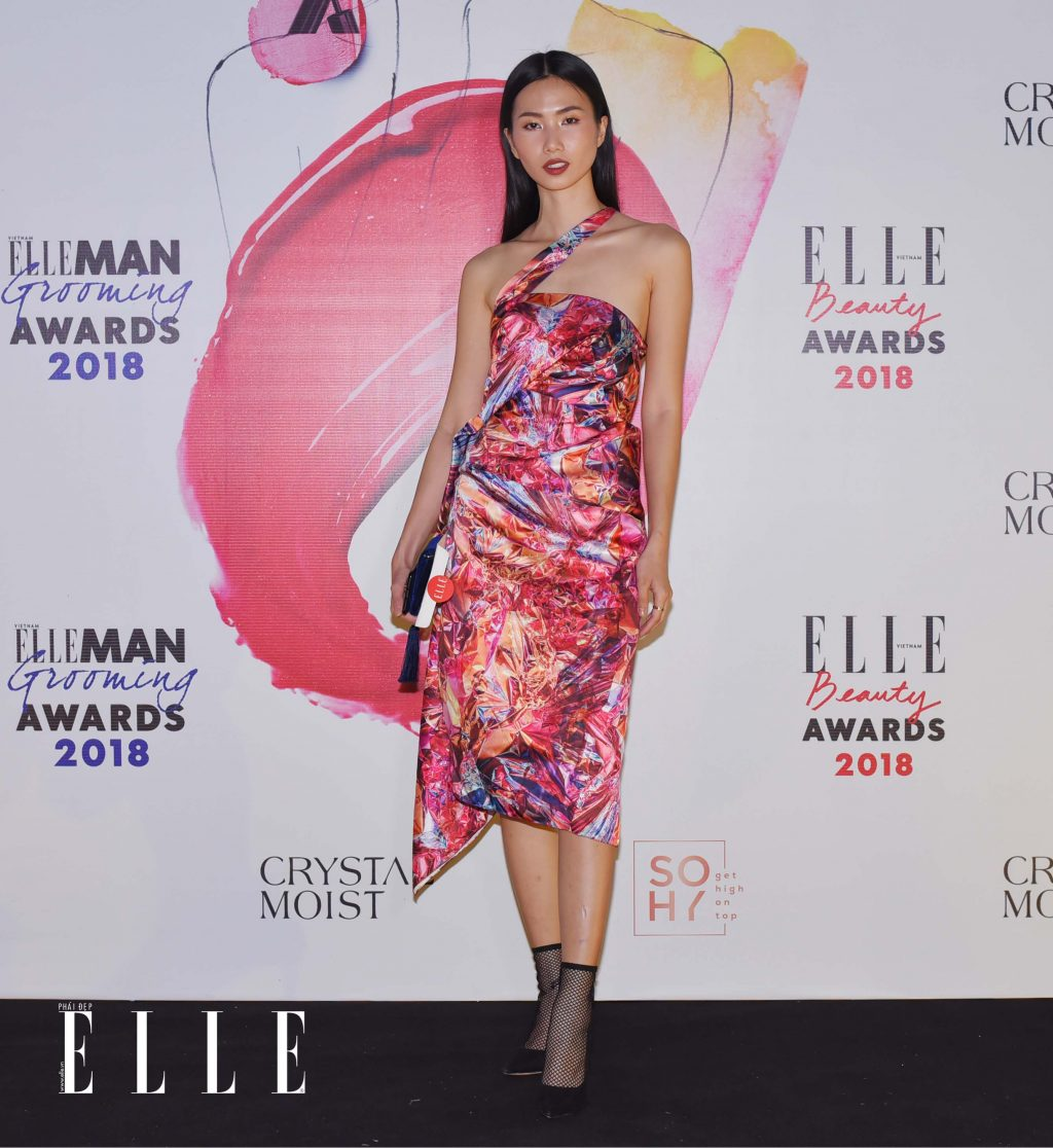 ELLE Beauty Awards 2018 trang điểm ấn tượng 13