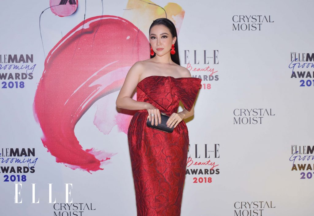 ELLE Beauty Awards 2018 trang điểm ấn tượng 4