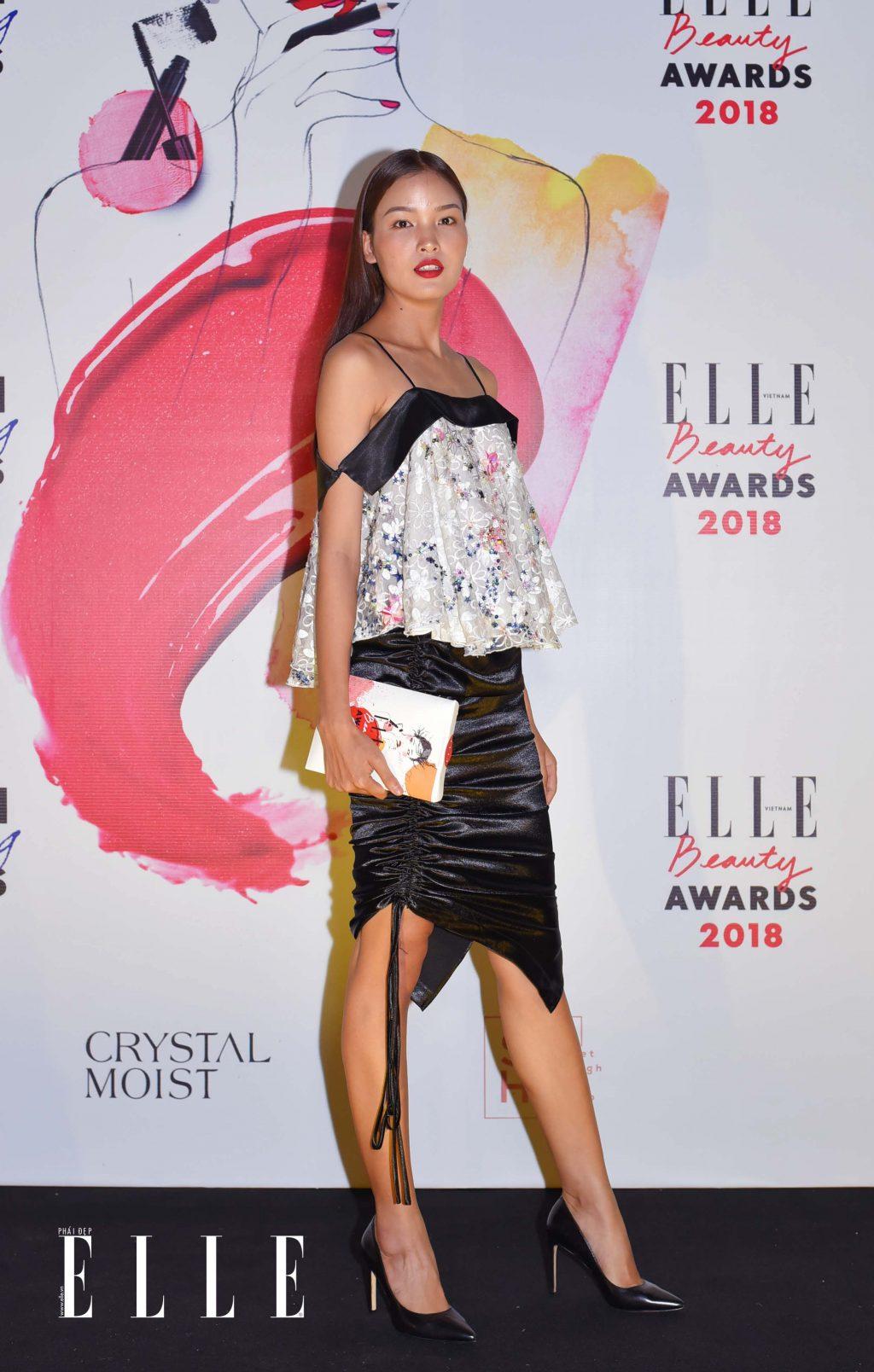 Elle Beauty Awards xu hướng làm đẹp nổi bật son đỏ 6