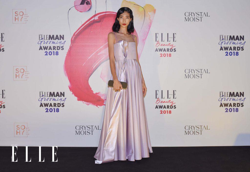 Elle Beauty Awards xu hướng làm đẹp nổi bật son đỏ 9
