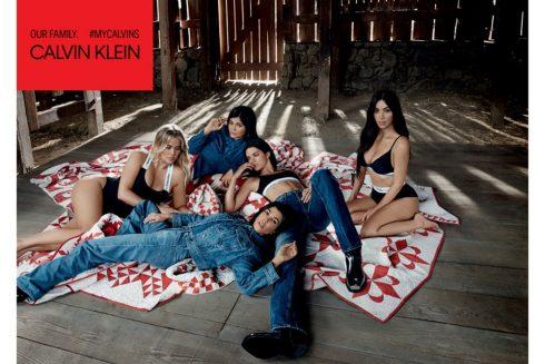Chị em Kim Kardashian kẻ khoe người giấu bụng bầu trong bộ ảnh của Calvin Klein