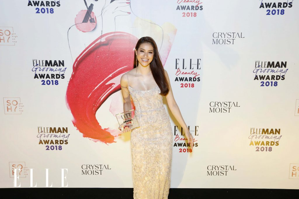 ELLE Beauty Awards 2018: Phạm Hương chiến thắng giải Best Hair